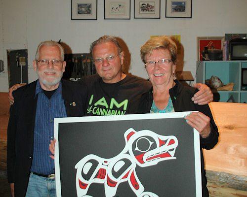 John, Cheri Conroy & Joe local artist